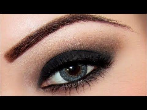 Pin de veronica en maquillaje pinterest ojo ahumado for Como pintarse los ojos de negro