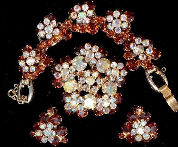 Vintage Juliana Rhinestone Set Bracelet by TheJewelryLadysStore