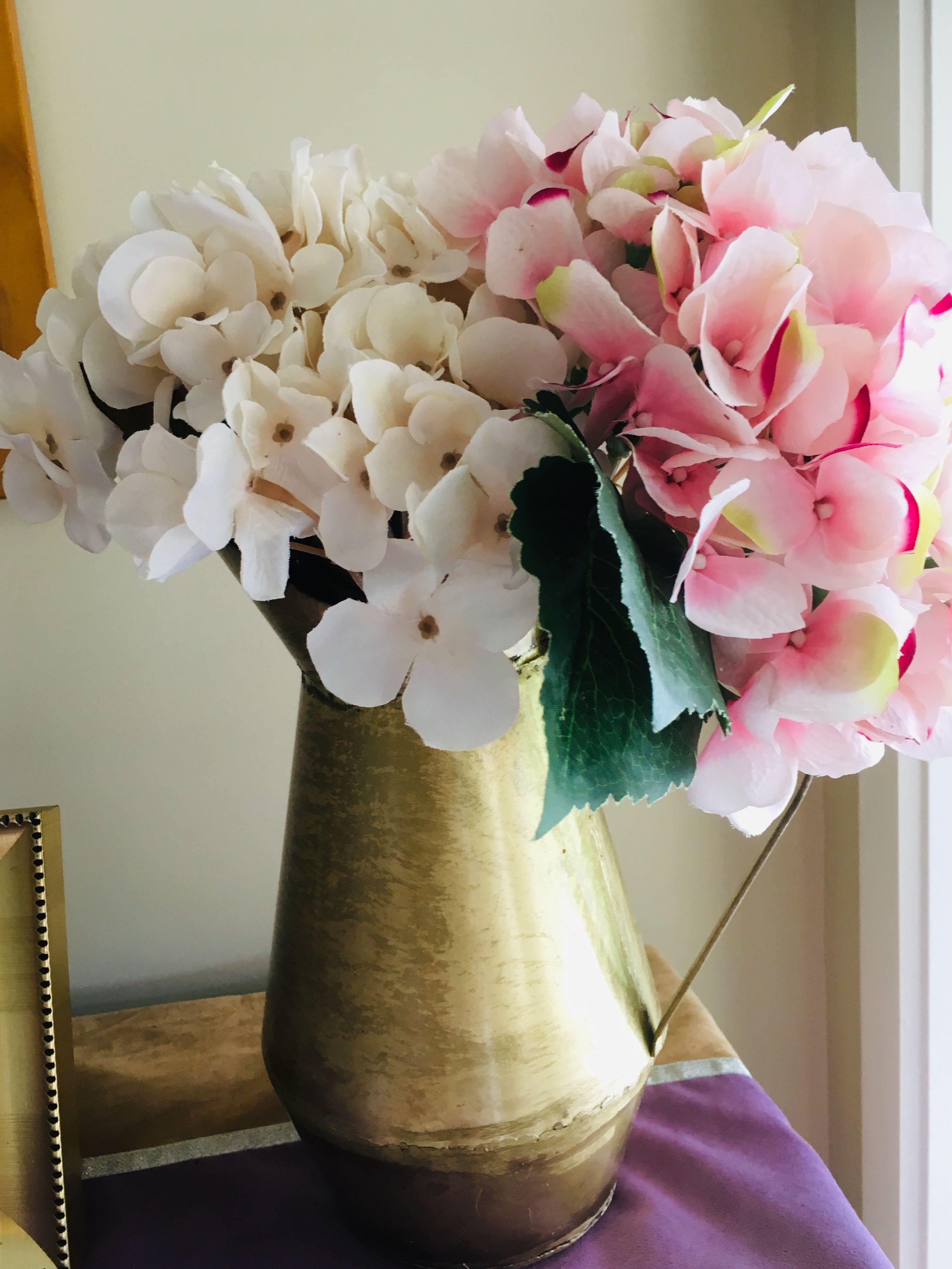 Brass India Pitcher With Hydrangeas Flower Arrangement With Images Hydrangea Flower Arrangements Flower Arrangements Diy Flowers