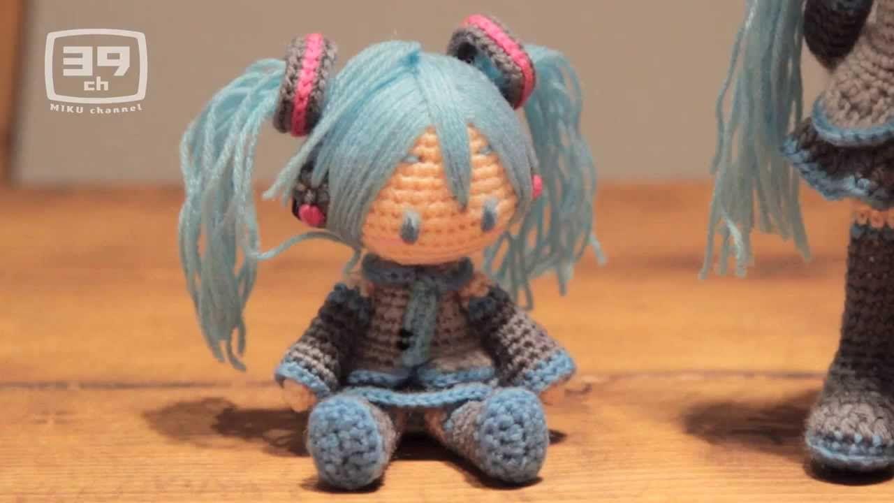 Creando una muñeca de estambre de Miku Hatsune