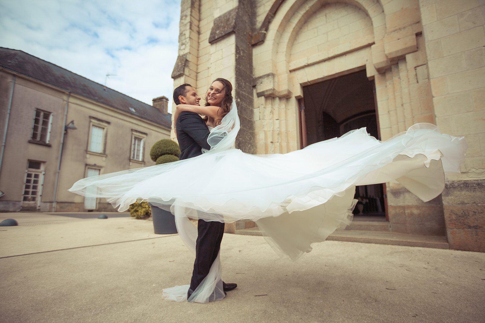 Etiquette Renta y Venta de Vestidos de Novia - LaPlanner