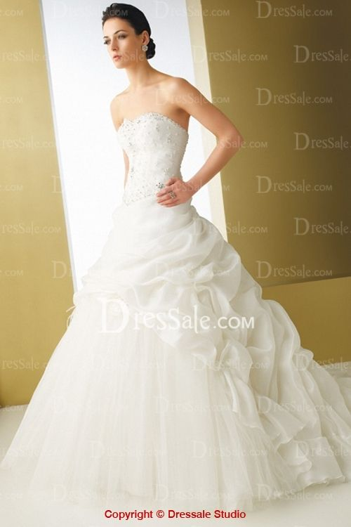 Traditonal Ball Gown Wedding Dress Features Shining Beadings and Fashional Pick-Up Detail