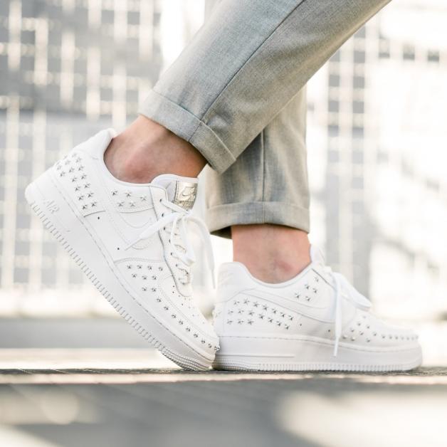 Pin auf Sneakers Girls