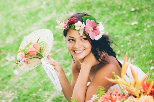 Couronne de fleurs exotiques pour mari e tropicale exotic chic pinterest - Couronne fleurs mariee ...