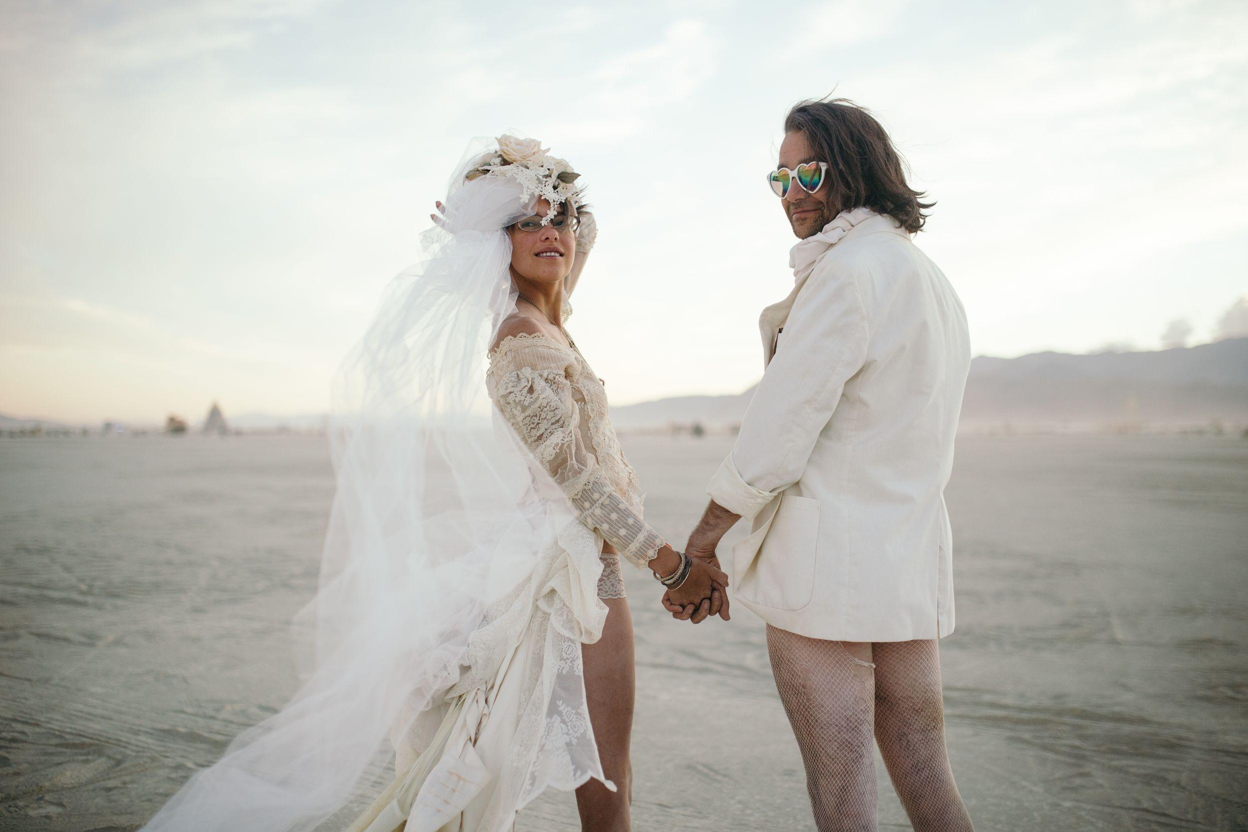 Married at burning man black rock city nevada kim jay weddings