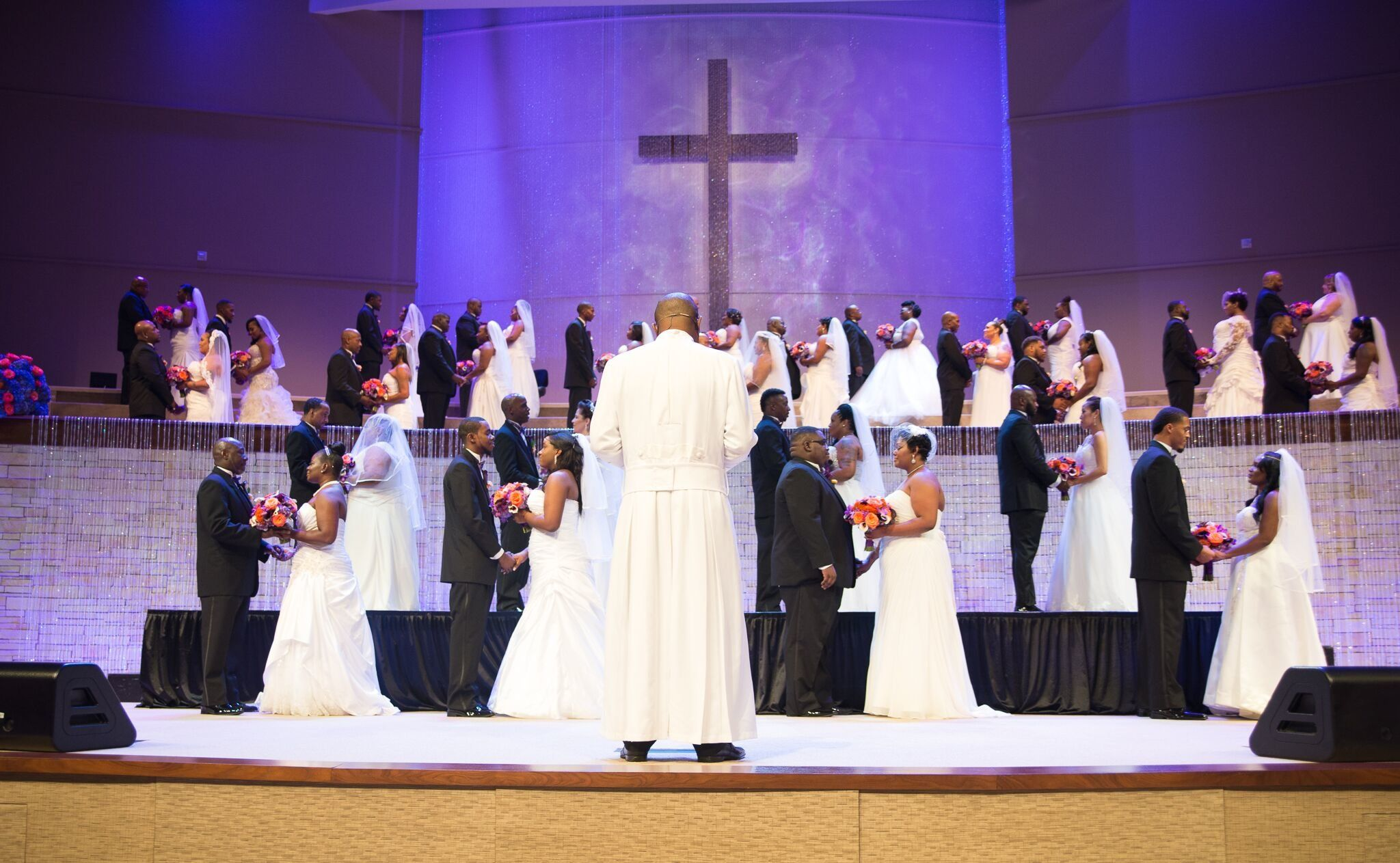 Dallas Church Offers Free Weddings To Couples Living