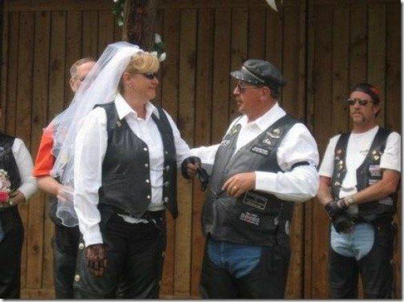 Vestiti Da Sposa Imbarazzanti.Abiti Da Sposa Imbarazzanti Weird Wedding Dress Funny Dresses