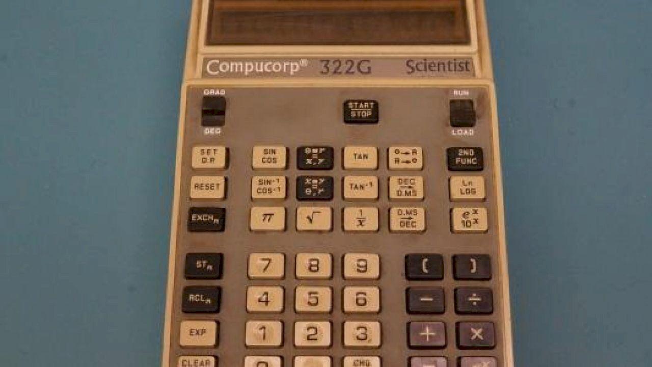 من أول من اخترع الآلة الحاسبة Calculator Electronic Products Inventions