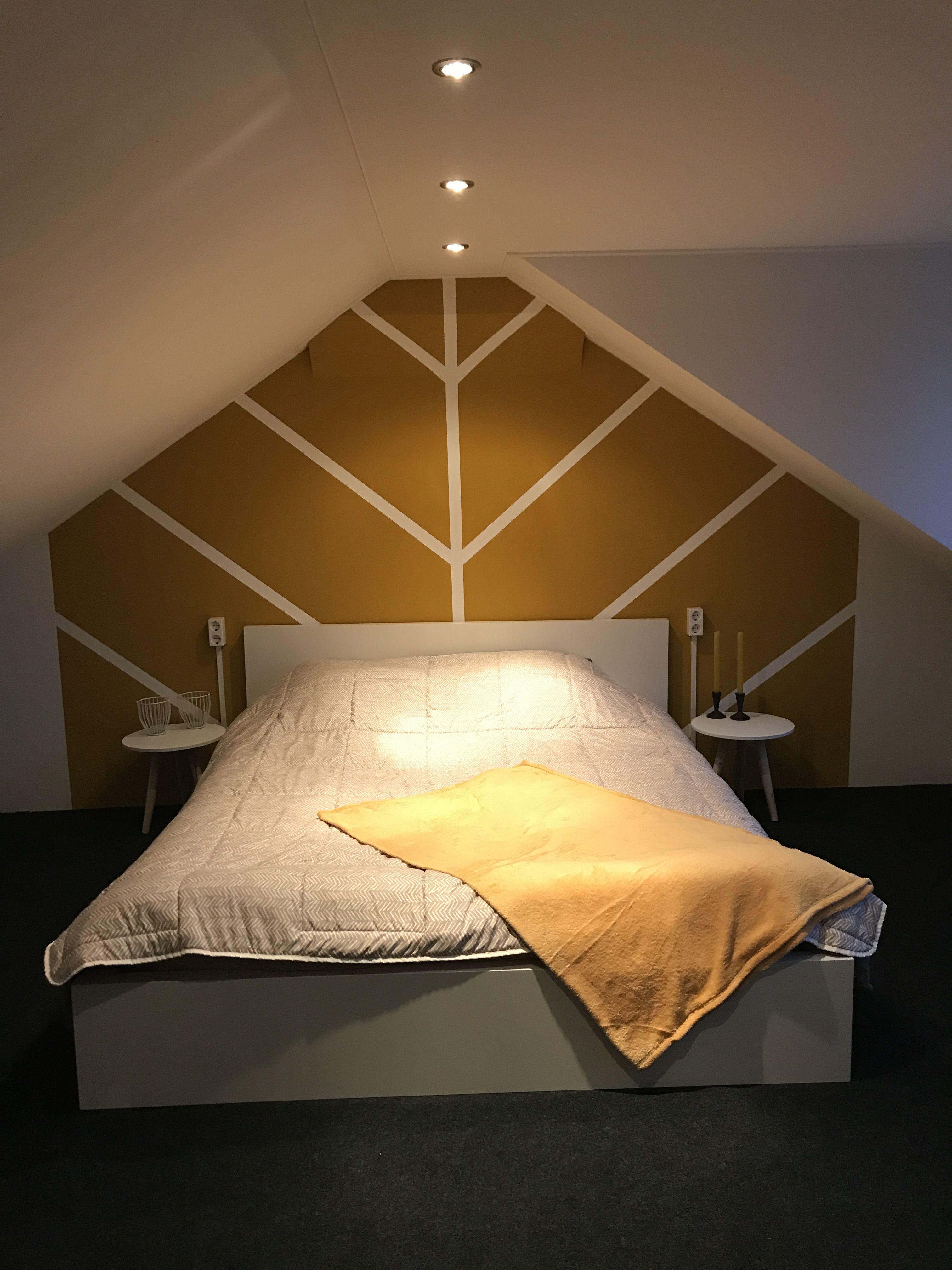 Bedroom ochre wall plaid Slaapkamer okergeel wand plaid ...