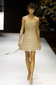 Gianfranco Ferré Spring 2000 Ready-to-Wear Fashion Show - Gianfranco Ferré, Trish Goff