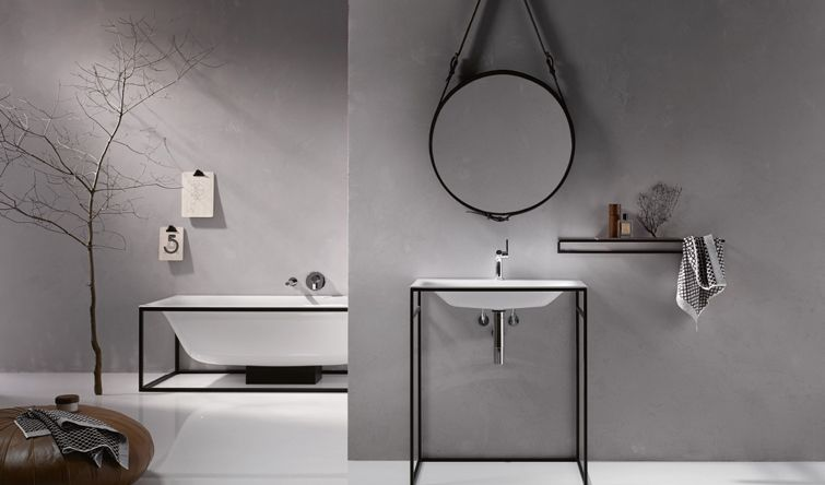 More space: bathtub and sink ‹Shape› by ‹Bette›