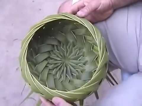 how to weave a basket from palm fronds