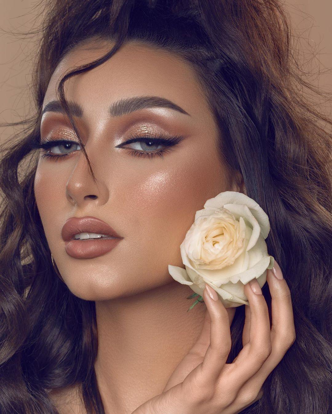 تصويري photo session for the team of @alafra_salon  Makeup @sawsanaloraibi_makeup  Hair @alafra_salon .  #photography #photographer #retouching #retoucher #photoshop #sony #sonyalpha #bahrain #saudia #dubia #riyadh #jeddah #beauty #beautyphotography #beautyphotographer #portrait #portraitphotography #makeupphoto #photooftheday📷 #makeup #hairstyles