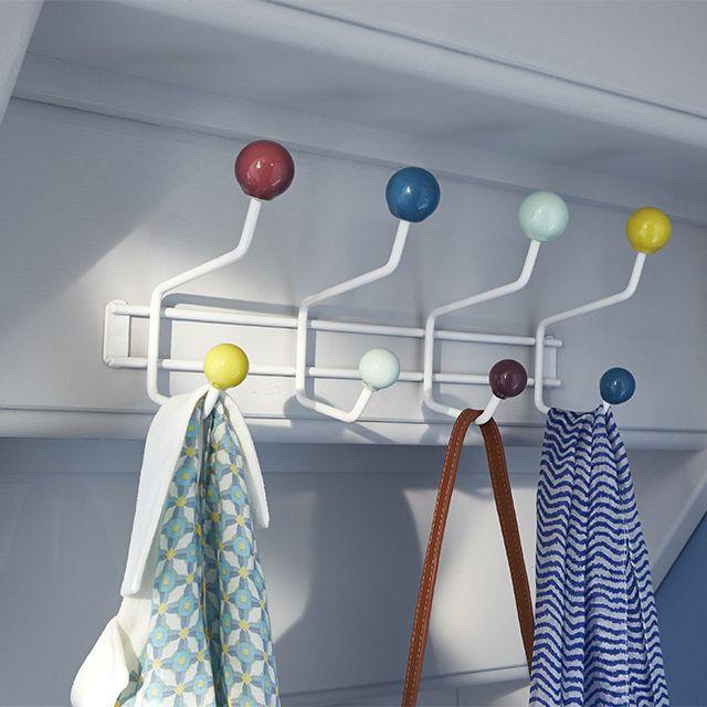 Portemanteau fixer multicolore form adana 8 t tes entr es couloirs escaliers pinterest - A quelle hauteur fixer un porte manteau ...