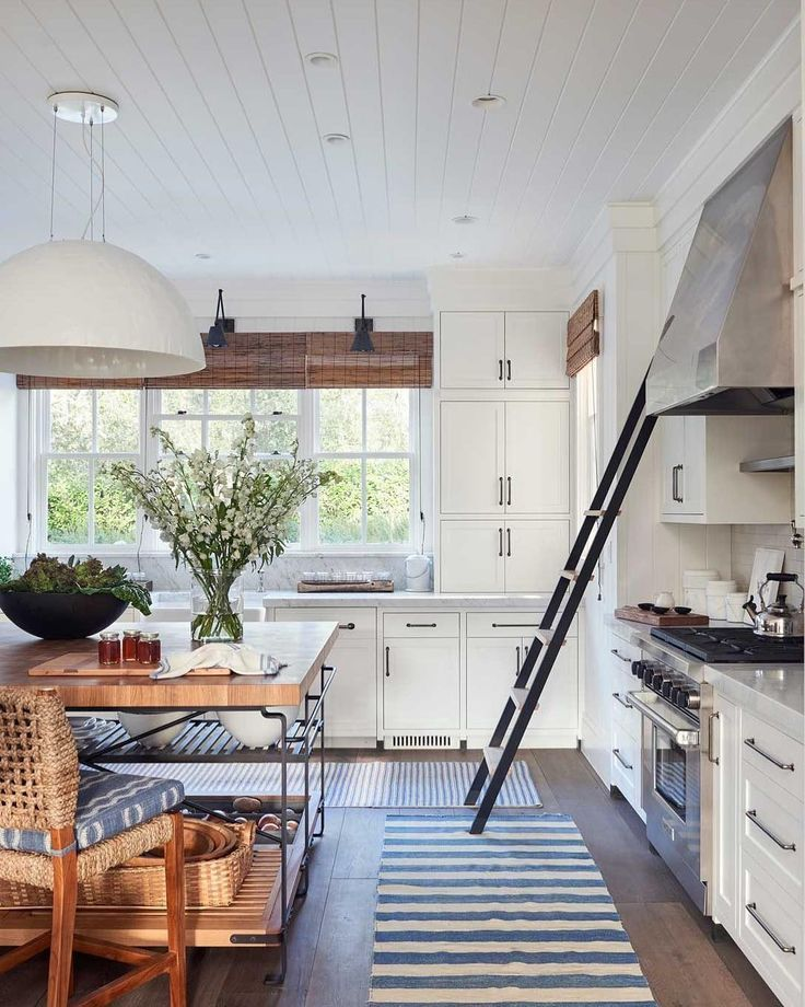 """23 Best Cottage Kitchen Decorating Ideas And Designs For 2019: ELLE Decor On Instagram: """"Wood Accents And Throw Rugs Make"""