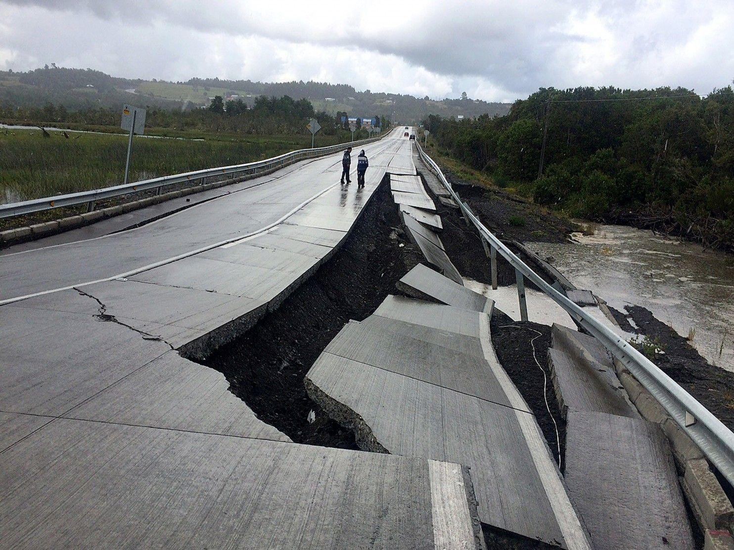 California Quake Map Usgs%0A Major quake jolts Chile resort region         homes lose power