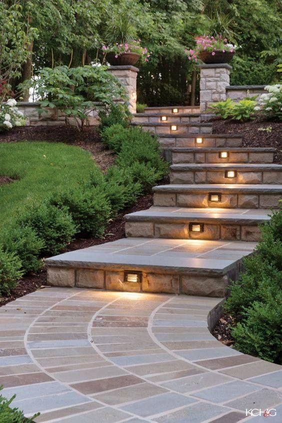 Las escaleras exteriores son una parte esencial de for Escaleras para caminar fuera del jardin