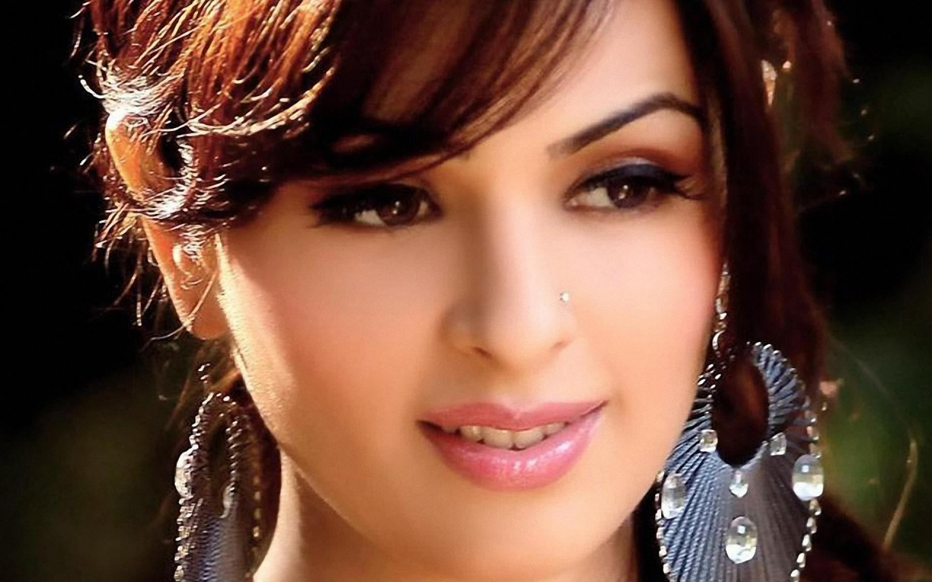 Actors Wallpapers Download: Full HD Wallpapers Bollywood Actress