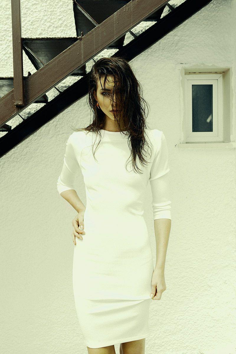 vestidos de novia de inspiracion surfera  vestido de tubo de El Corte Ingles 554ba276388