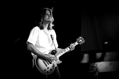Adam Thomas Jones Born January 15 1965 In Park Ridge Illinois Is A Grammy Award Winning Guitarist Best Known For His Work With The Band Tool