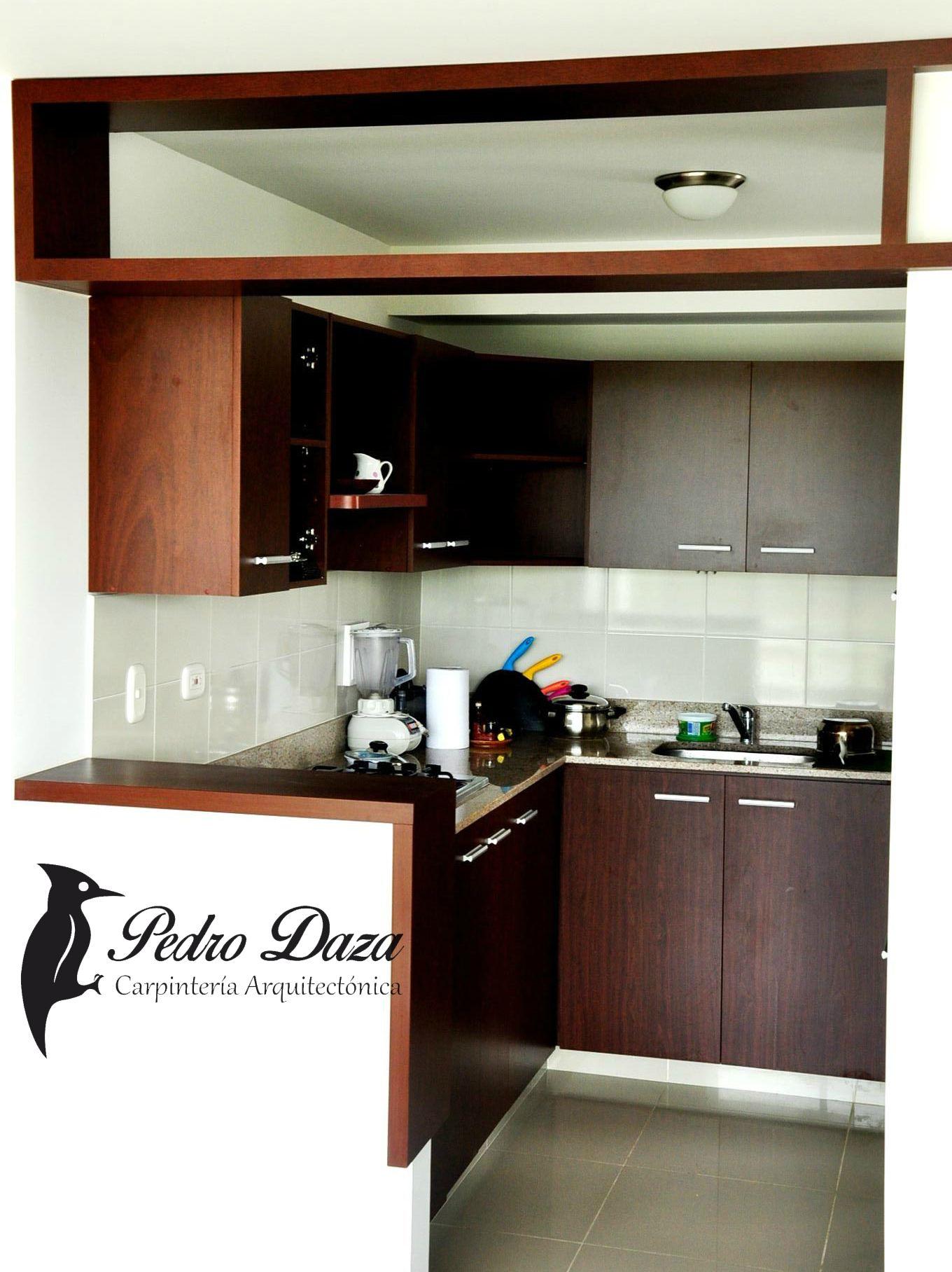 Cocina integral barra madera pedrodaza carpinteria for Medidas de cocinas integrales de madera
