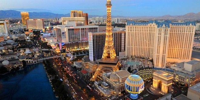 Casar com um sacerdote vestido de Elvis Presley em Las Vegas. #lasvegas #EUA