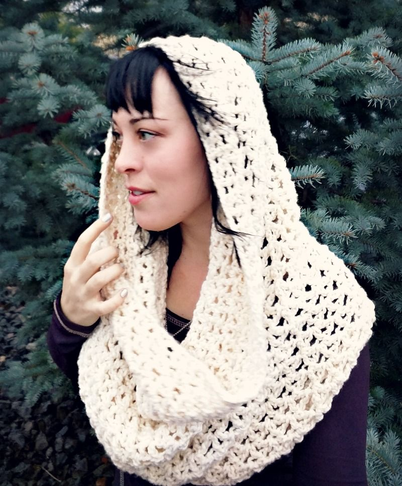 Chunky infinity cowl scarf - free crochet pattern at Domestic Bliss ...