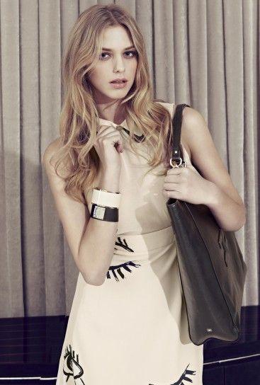 Dalla collezione primavera estate 2013 di abbigliamento Elisabetta Franchi, tunica con stampa.