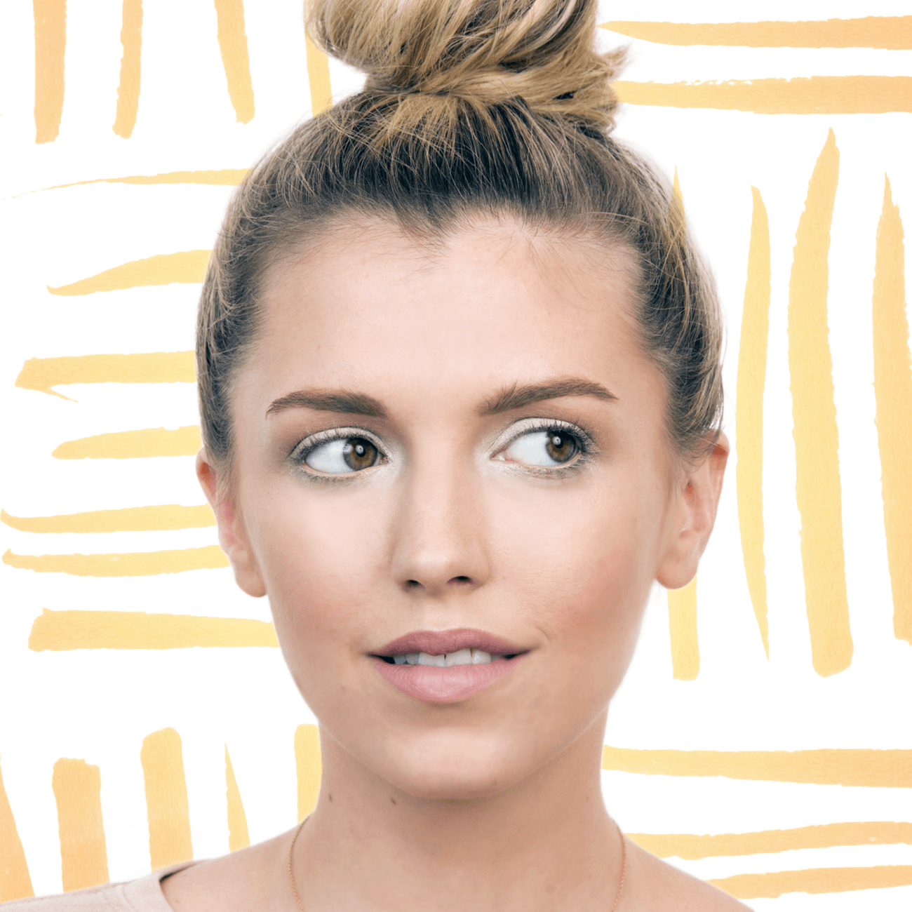 9 Easy Ways to Make Your Eyes Look Brighter With Makeup