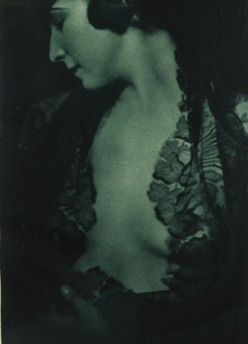 Emil BIEBER :: Das Decolleté, 1928