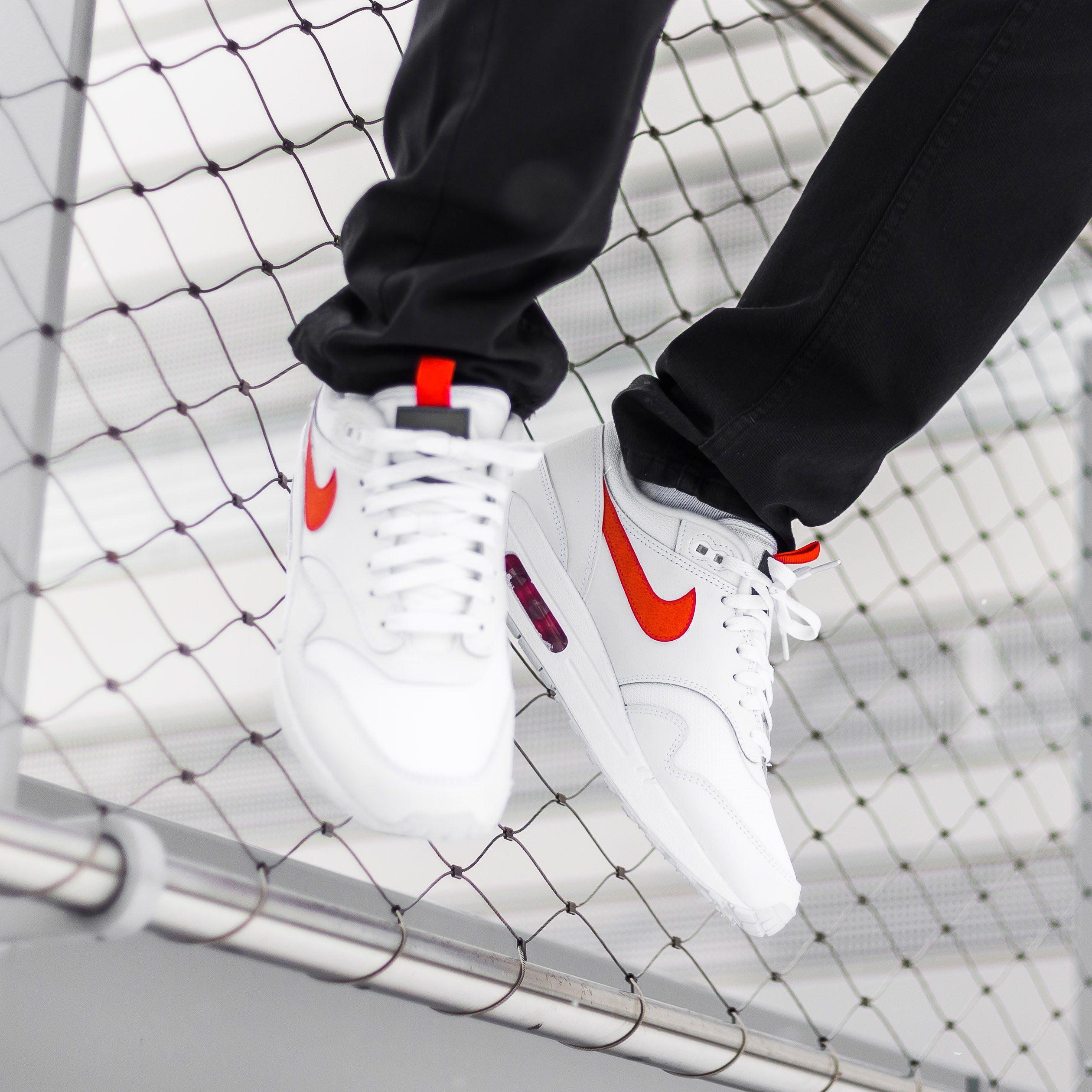 air max 1 se white orange