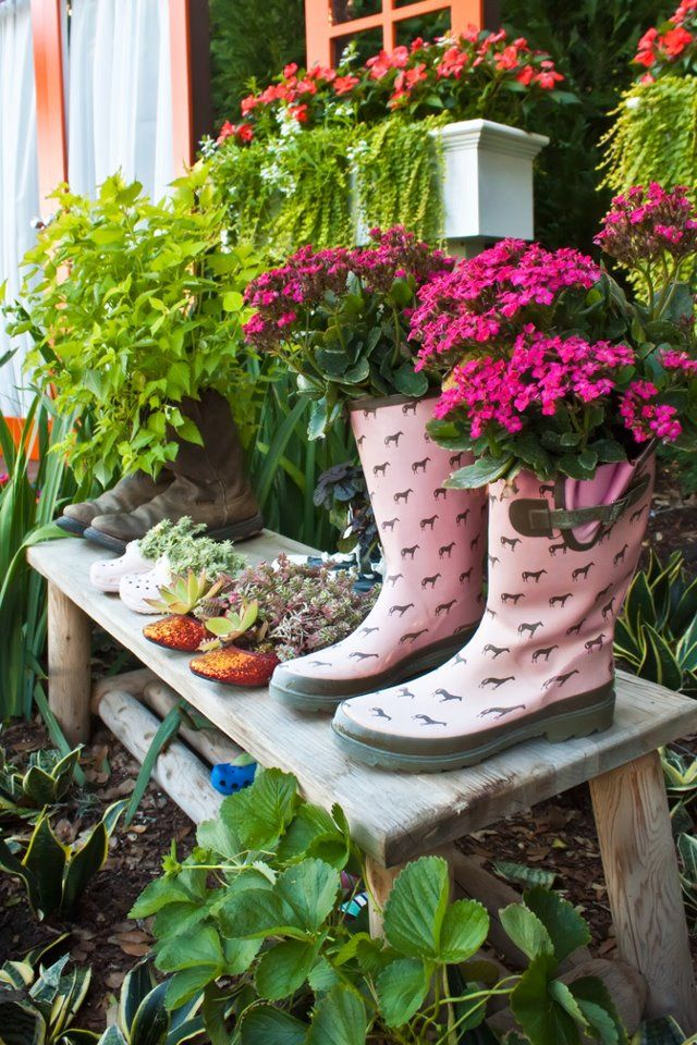 Unique Containers I Love The Boots Outdoor Flower Container Ideas Pinterest Gardens
