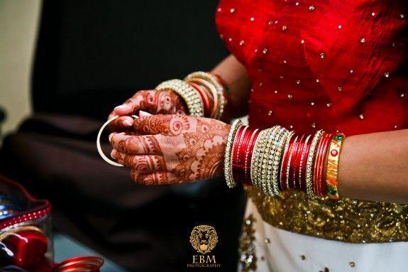 Pretty bangles - Indian Gujarati Wedding - EBM Photo