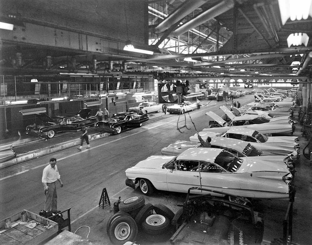 1959-1960 Cadillac Factory | Vintage Car Dealerships / Factory ...