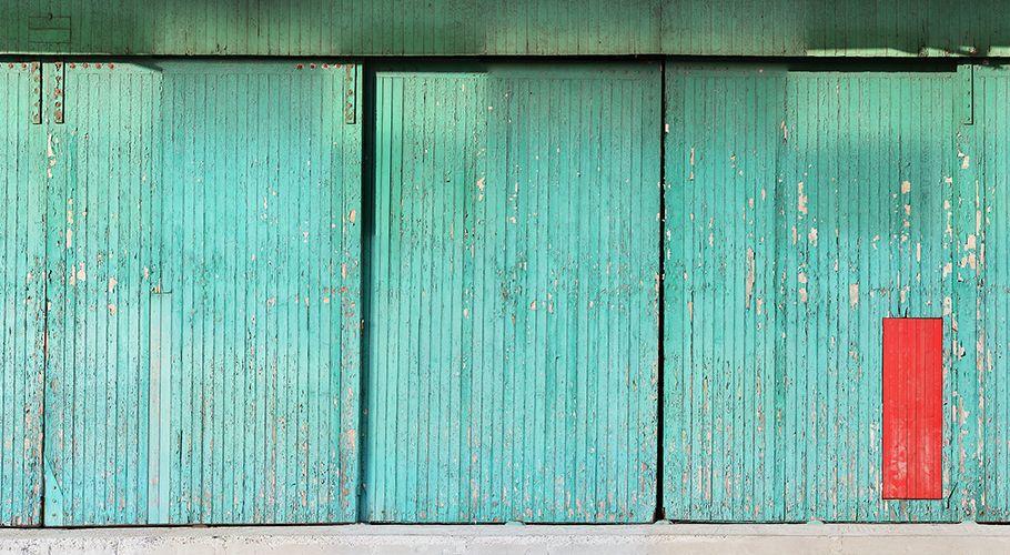 La porte voit rouge... / By InCréation.