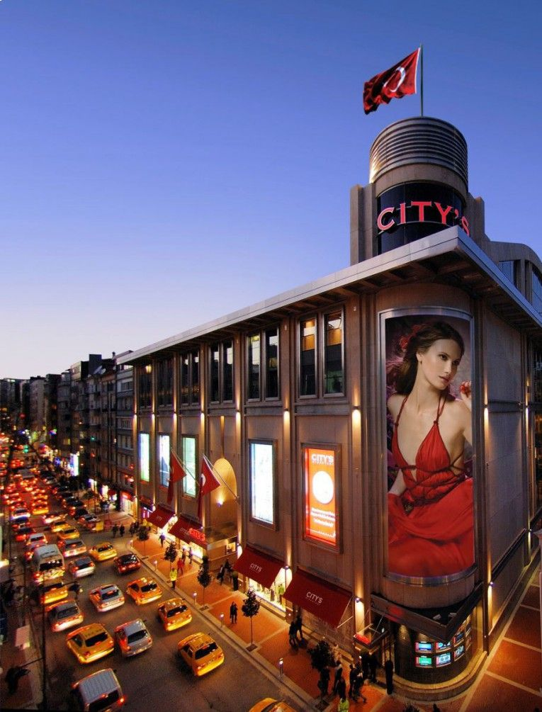 مجمع سيتي نيشانتاشي City Nisantasi للتسوق في اسطنبول يقع في منطقة Nisantasi في الجزء الاوربي من اسطنبول و يغطي مساحة Istanbul Shopping Mall City