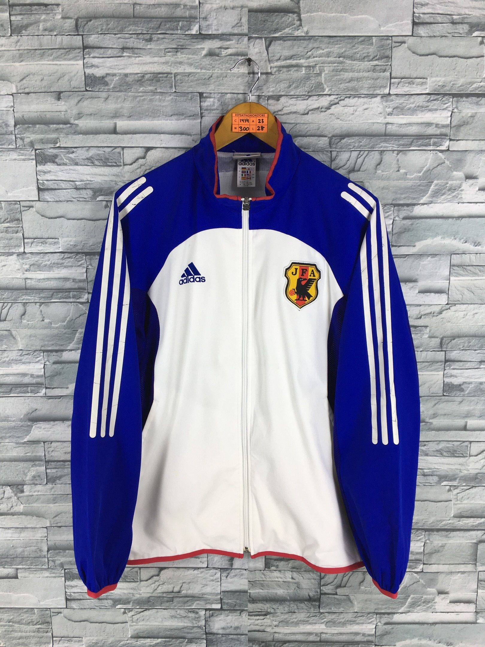 eb50e0b12 Excited to share the latest addition to my  etsy shop  Vintage 90s ADIDAS  Jacket