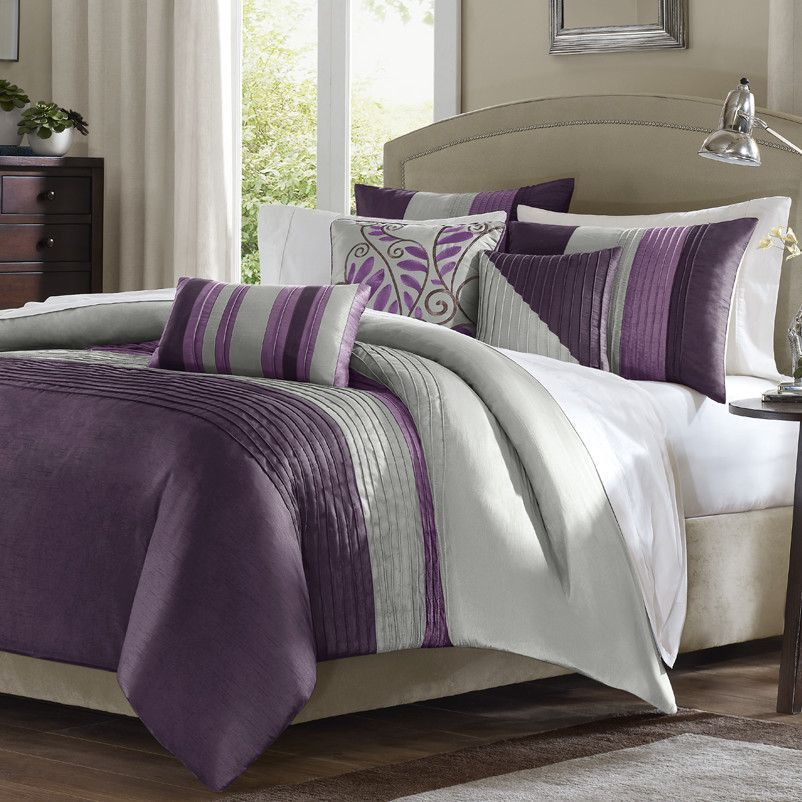Features Embroidered Decorative Pillows Pleated Duvet And