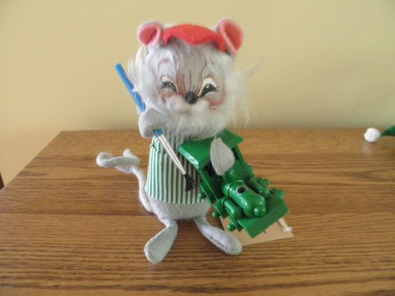 Hey, I found this really awesome Etsy listing at https://www.etsy.com/listing/196497666/annalee-mobilite-mouse-with-train