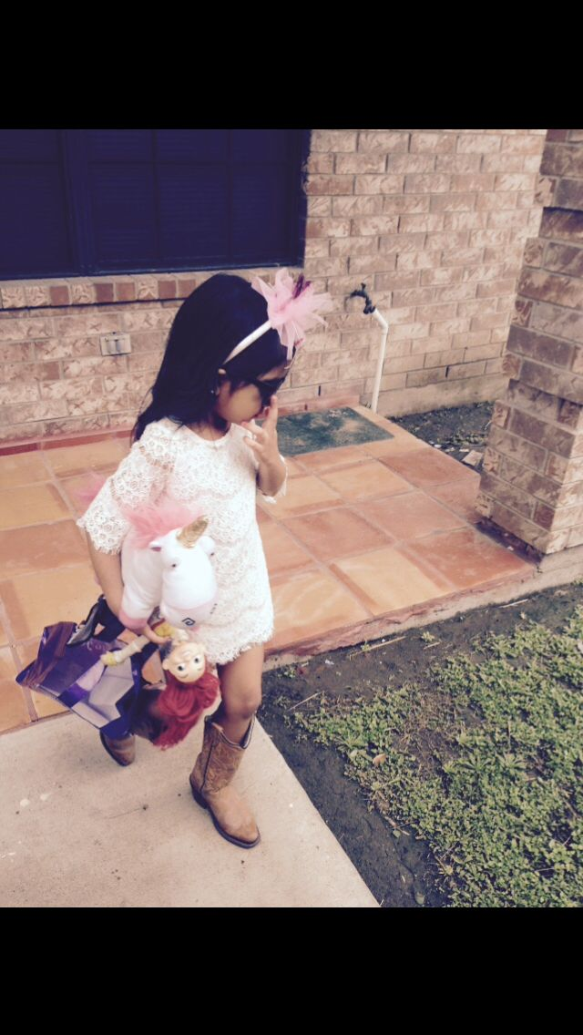 She didn't think her lace dress would look as good without her unicorn  Kids fashion
