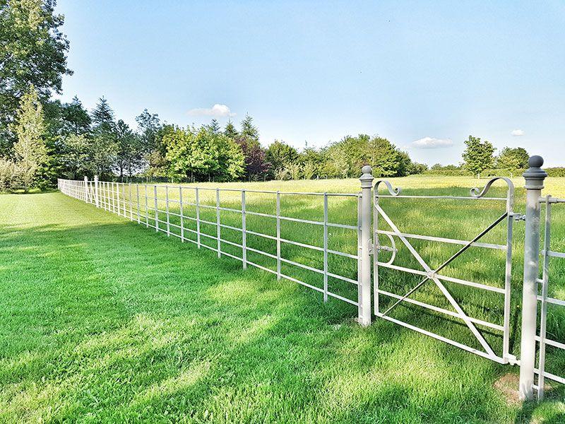 Standard 1200mm Estate Fencing And Gates Garden Fencing Manor