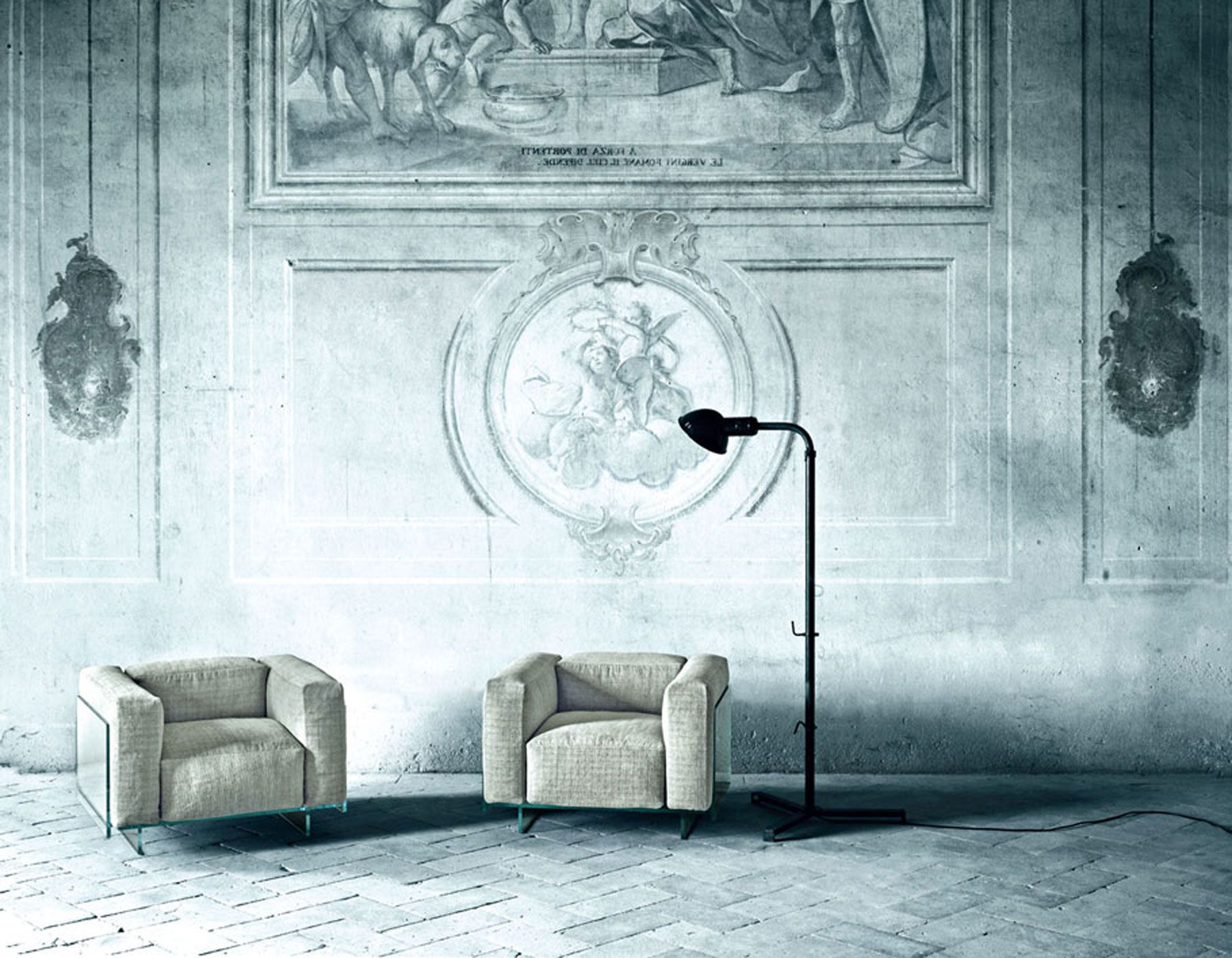 crystal lounge chair by glasitalia via. Black Bedroom Furniture Sets. Home Design Ideas