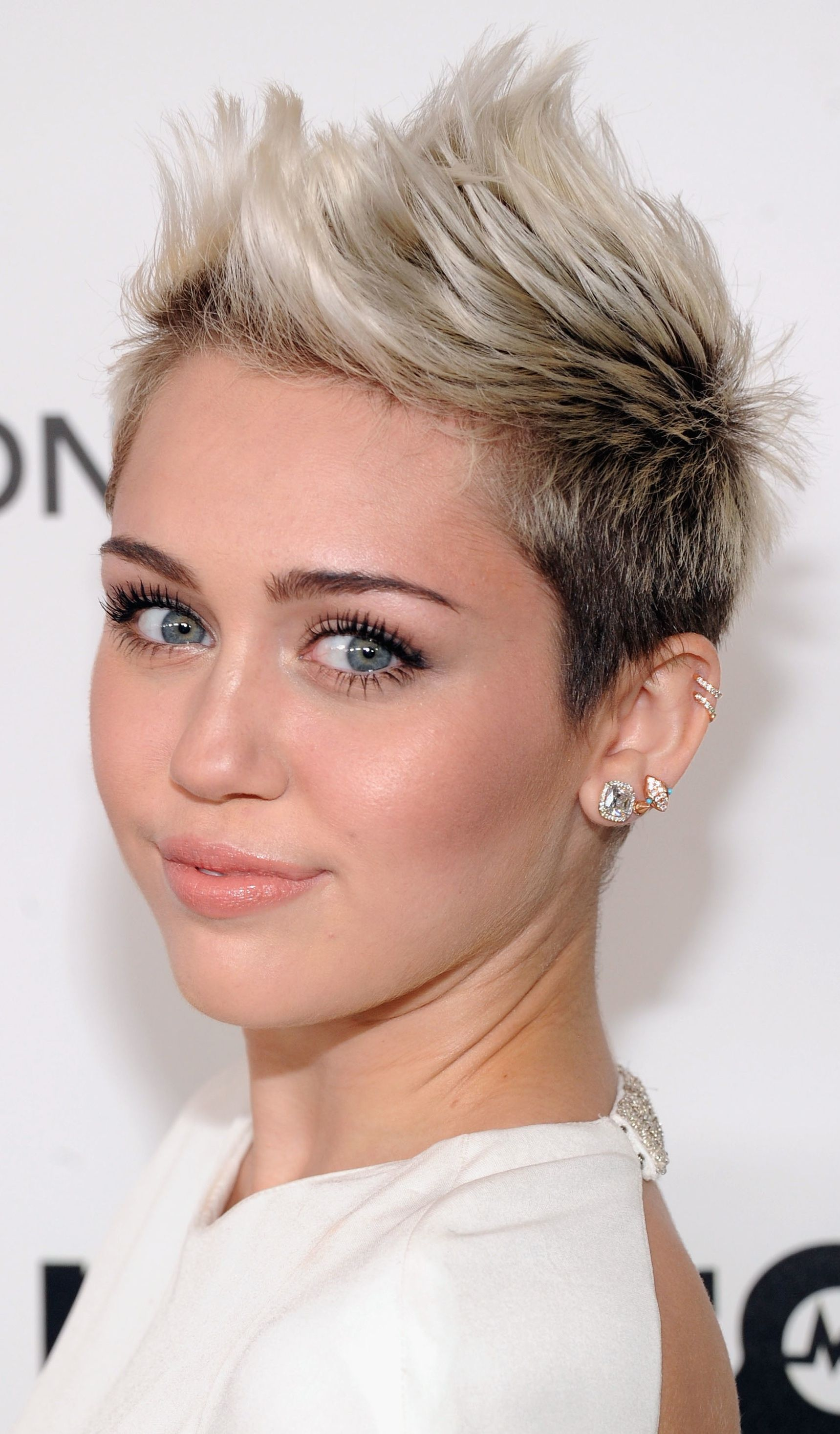 Not a fan of miley but i love this haircut cambio de look