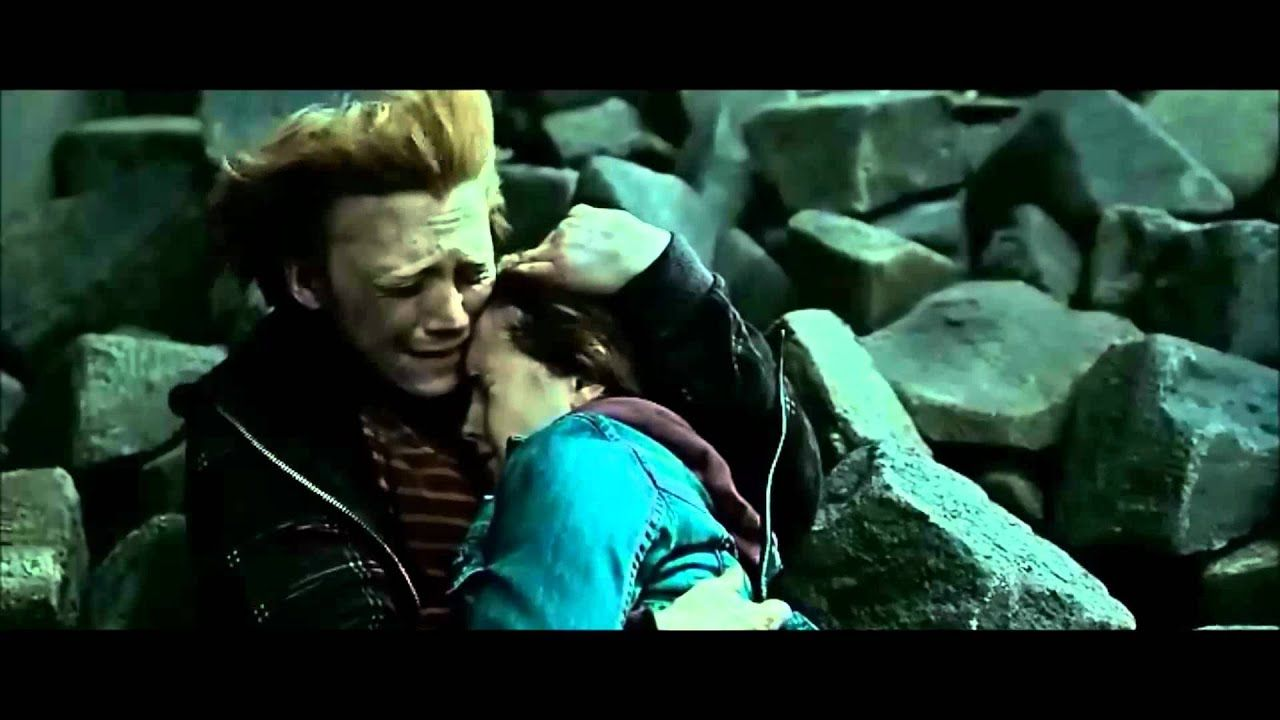 Harry Potter And The Deathly Hallows Part 2 Neville Kills Snake Youtube Deathly Hallows Part 2 Harry Potter Films Deathly Hallows