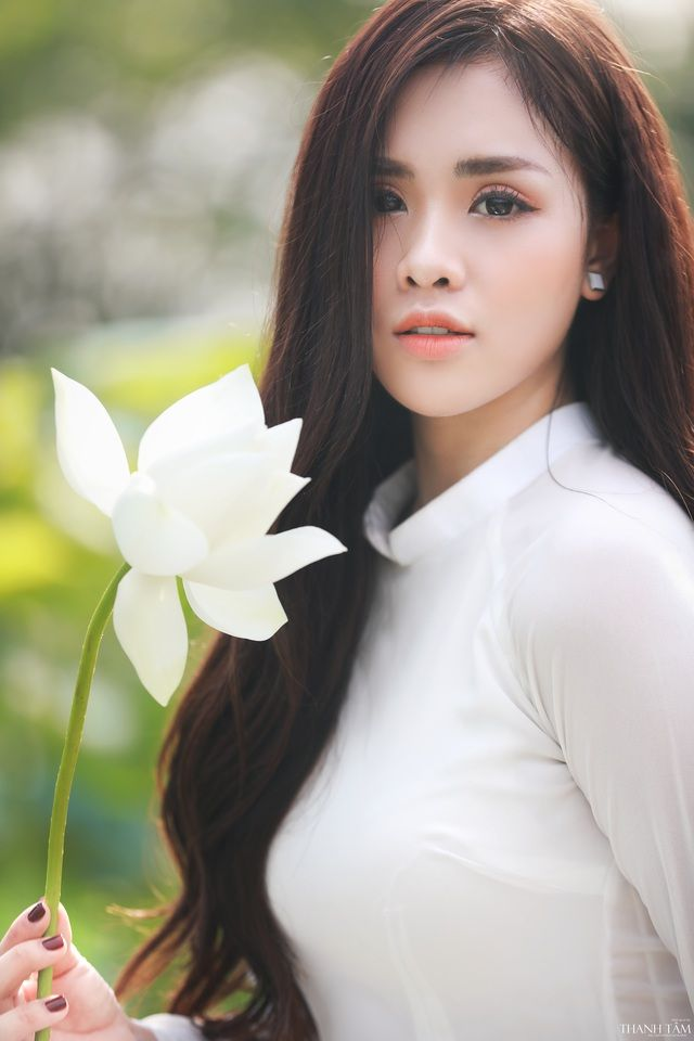 Yếm | Vietnamese traditional dress, Traditional dresses, Flowers