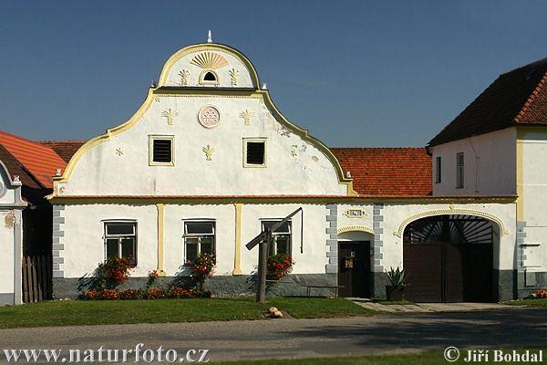 Nae obec - srpen 2009 - Obec Holasovice
