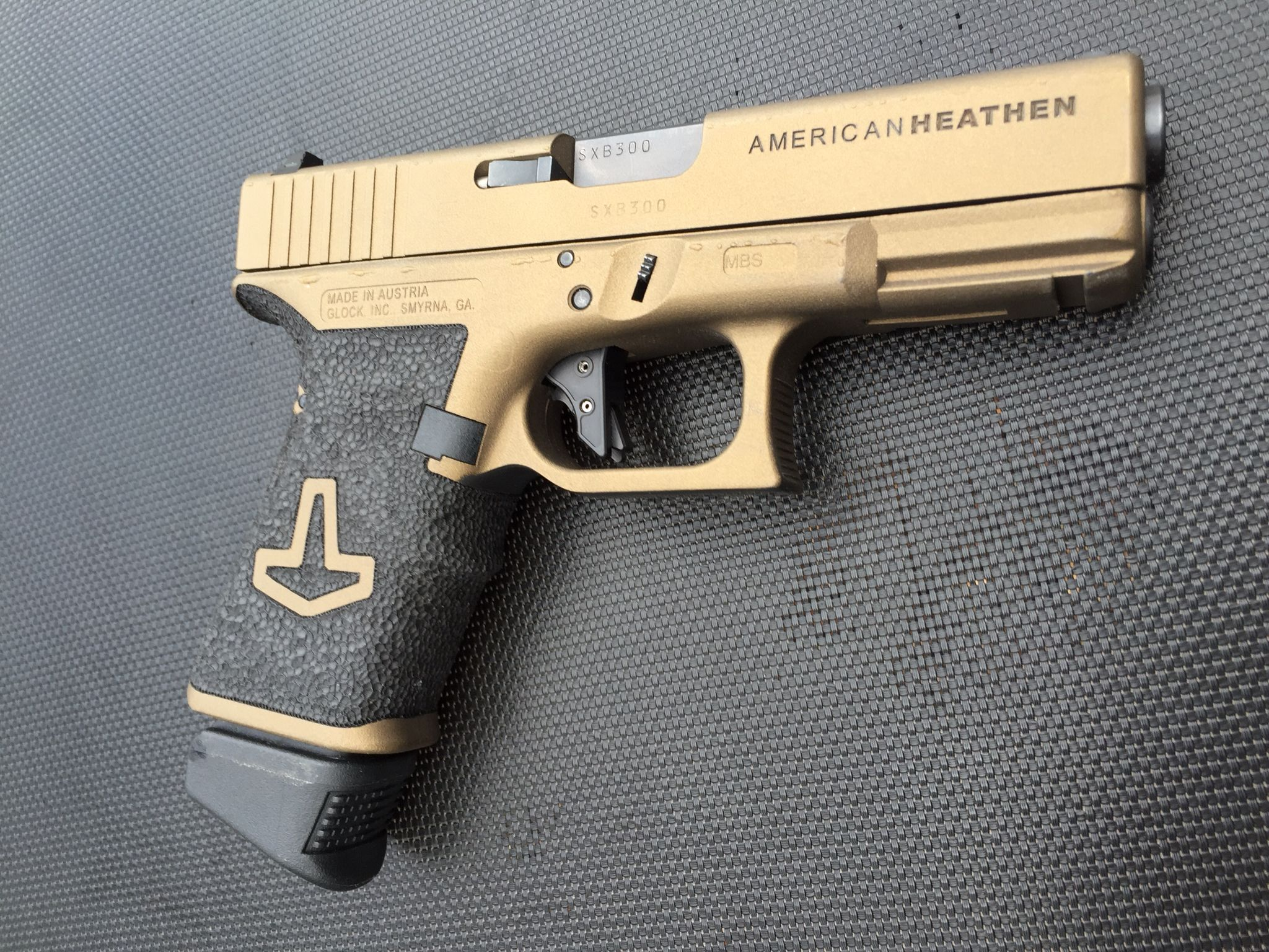 Another of a few photos of my new Overwatch Customs version of a American Heathen G23 including the GlockKraft D.A.T. 2 tactical trigger. Very clean, I'm very happy with the finished weapon.