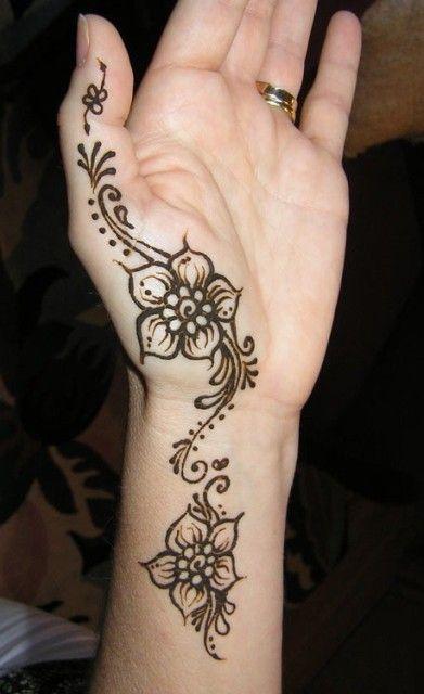 Henna Flower Wrist Designs: Simple Henna Mehndi Patterns For Hand