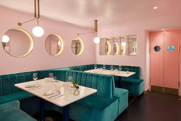 Hollywood vibes in underground bar - Residence | Millennial Pink ...