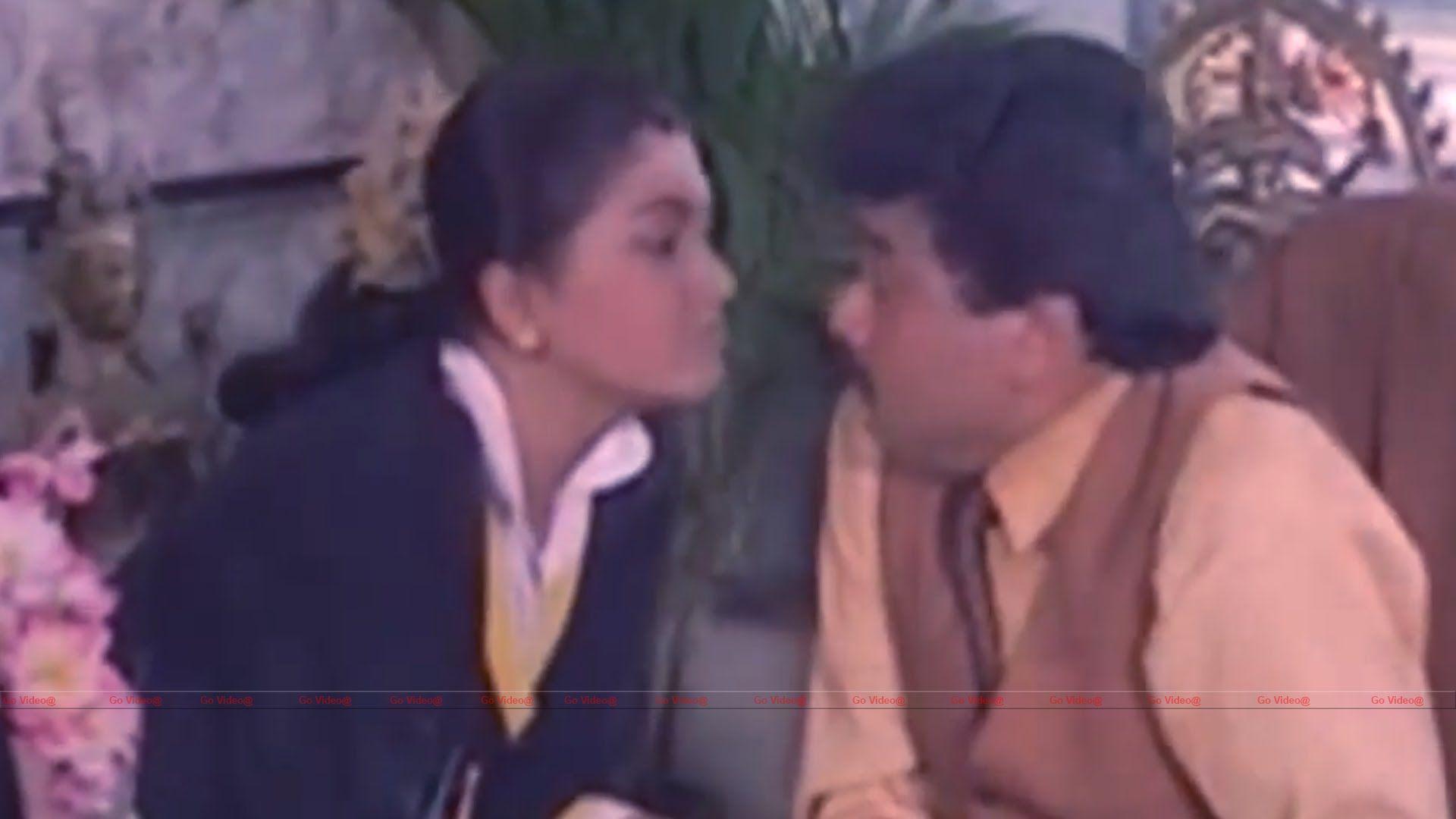 Kushboo Tamil Hot Ele hot tamil actress kushboo deep navel kiss   good movies